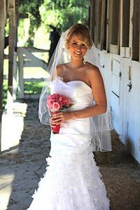 LCR-Bride-at-Barn