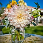 Small-Cocktail-table-mason-jar-floral